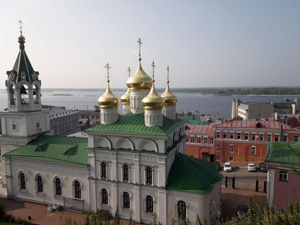 Нижний со стороны кремля