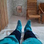Мои ноги в галокамере