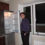 Холодильник пока пустой